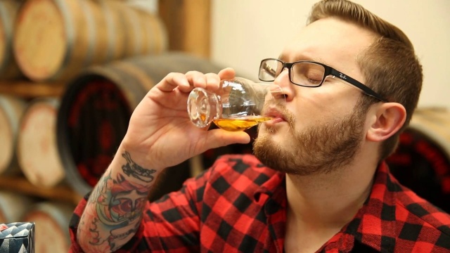 Wistia video thumbnail - Dustin Haarsted Whiskey Course Promo