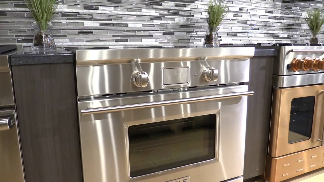 Wolf 30 Inch Induction Range Display Video New Thumbnail