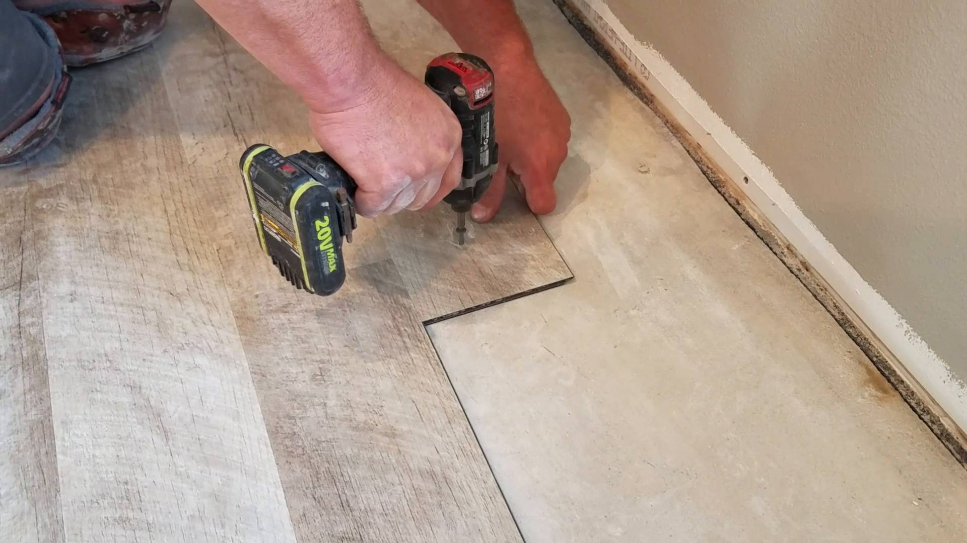 Perfect How To Install The First Row Of Laminate Flooring   So Thatu0027s How You Do  That!