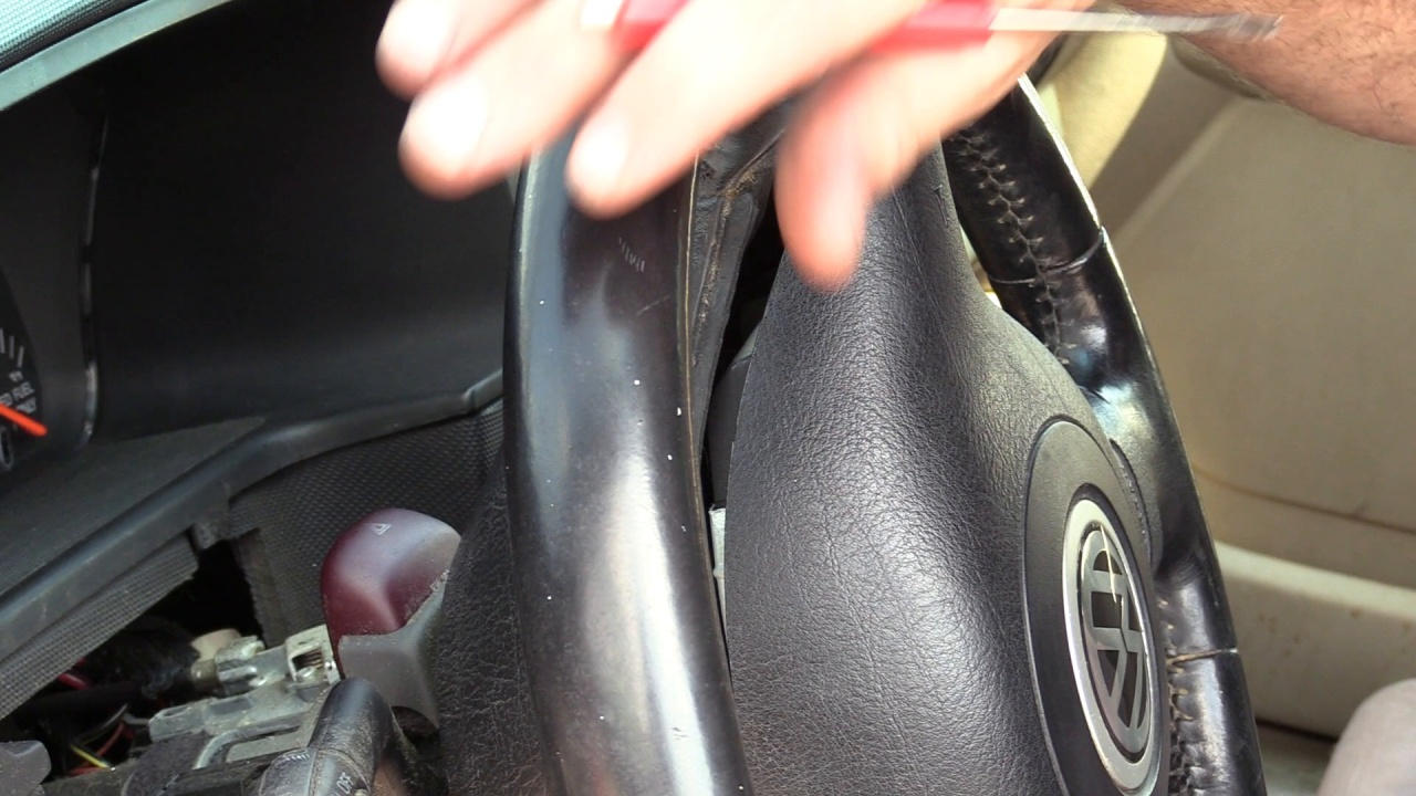 How to Remove a VW Steering Wheel on the Salvage Yard