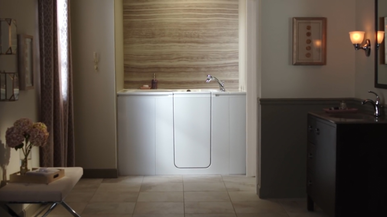 Benefits of a Walk-In Bath | KOHLER® Walk-In Bath