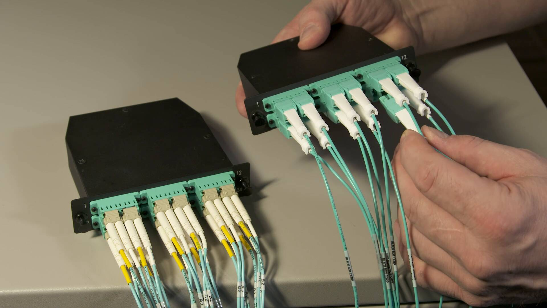 Video: How to change polarity on OM4 LC Uniboot Patch Cables