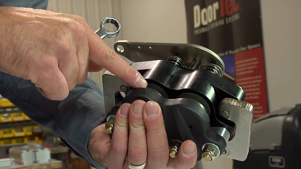Wistia video thumbnail - 4/26 Chad - How to Properly Adjust a Mechanical Brake Caliper