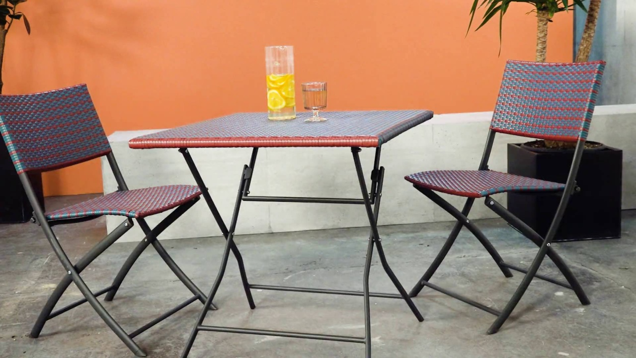 Bistro Set With 2 Chairs