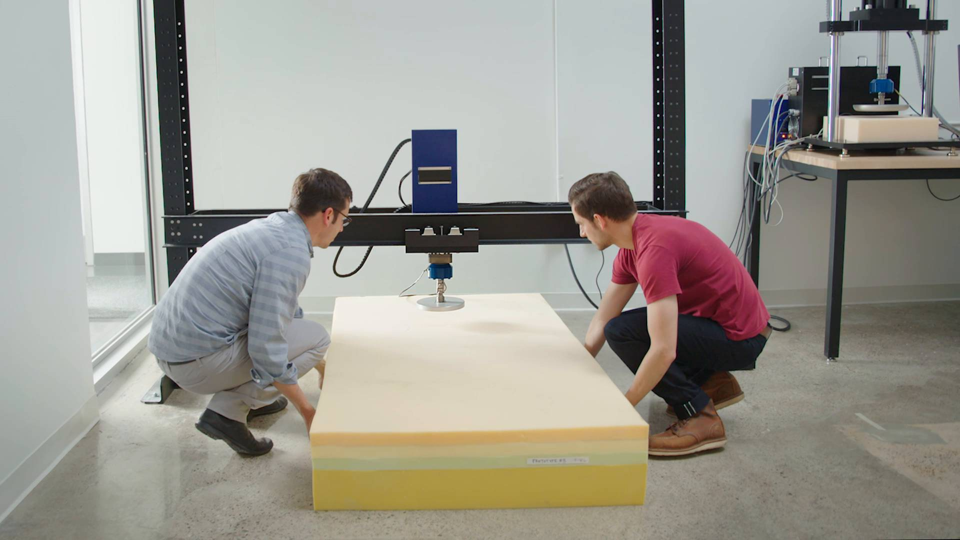 Video showing how the Casper mattress is made