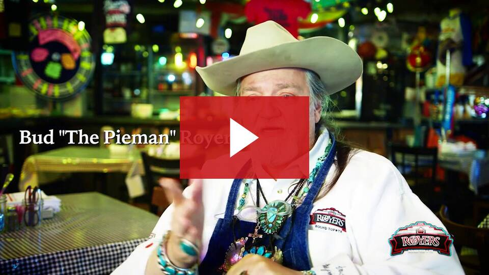 59bf7f95c5 Recipe  Ann s Pecan Pie From Royers Round Top Café – Cowboys and ...